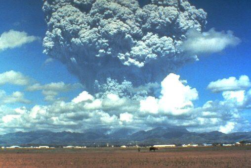 Fotky: Vulkanismus (erupce sopky Pinatubo)
