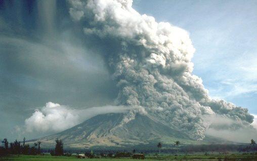 Fotky: Pyroklastický oblak (sopka Mayon,1984)
