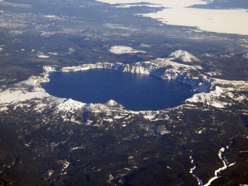 Fotky: Sopečná kaldera (Kráterové jezero)
